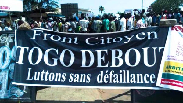 Rich results on Google's SERP when searching for 'Togo Debout'